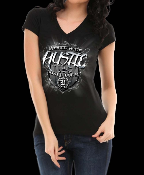 HUSTLE.black.vneck